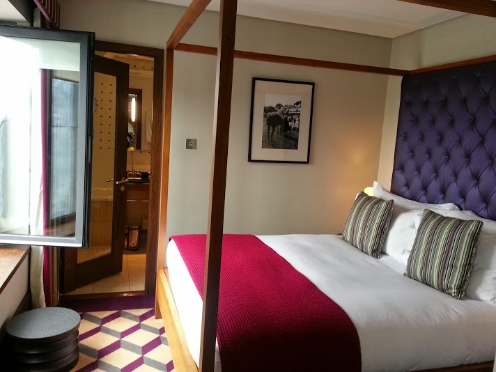 deluxe room at the Fitzwilliam Hotel Dublin