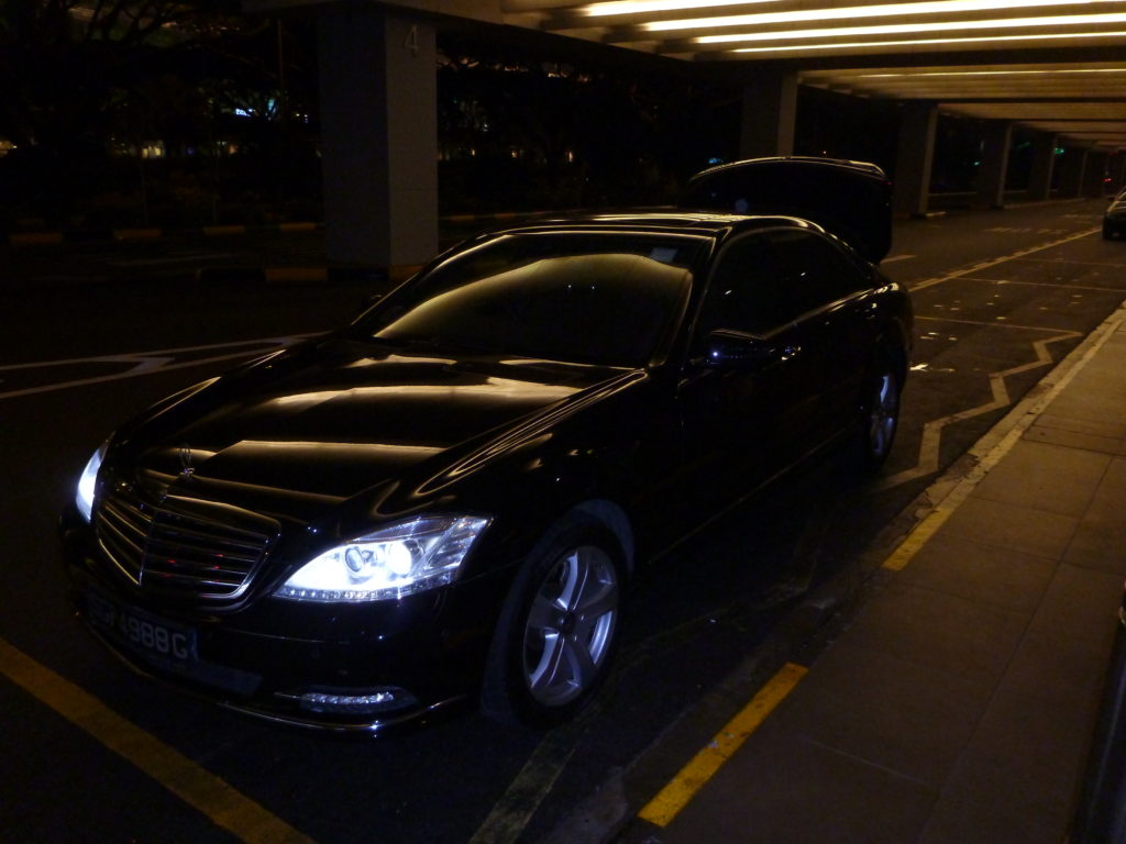 Limousine service of the Ritz-Carlton Millenia Singapore