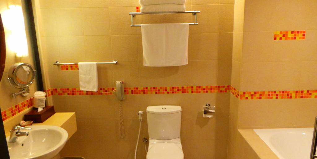 bathroom detail. Hulhule Island Hotel