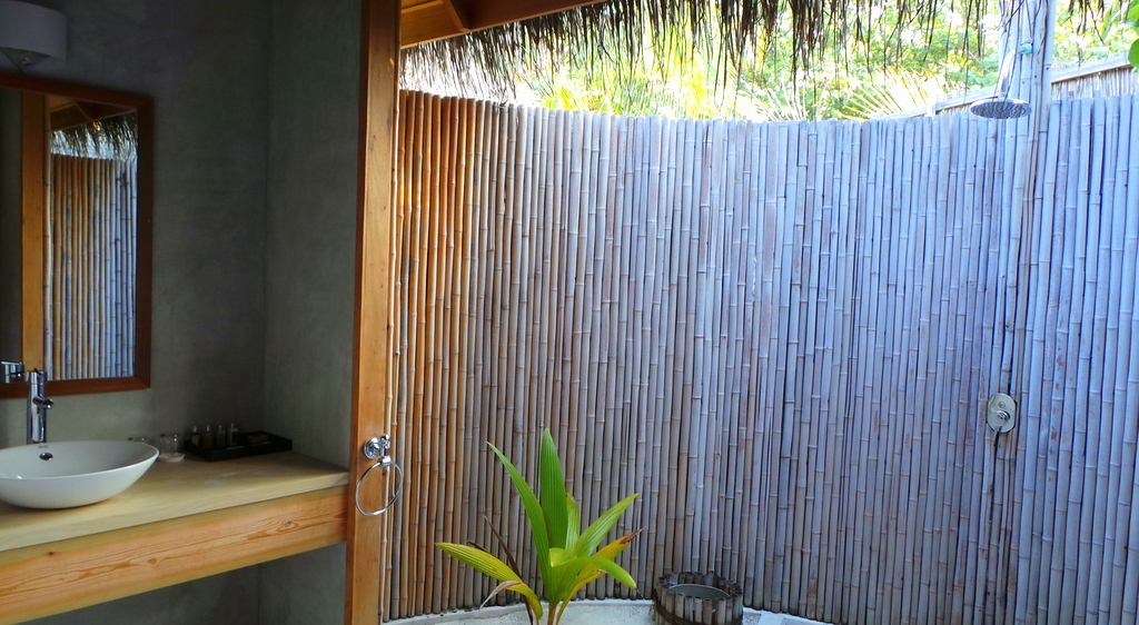 outdoor shower in Loubo Private Island, Maafushivaru