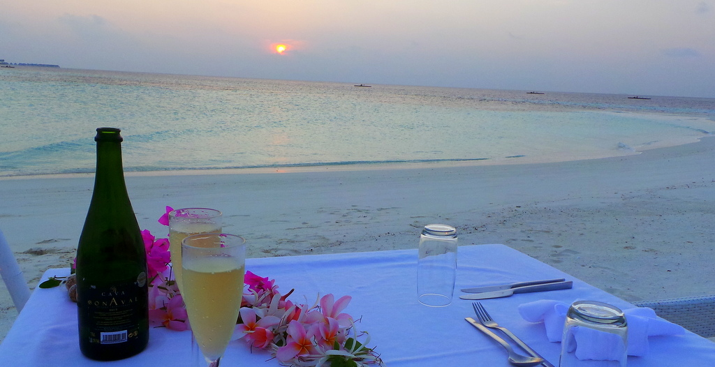 Dinner for 2. Lonubo Private Island, Maafushivaru Maldives