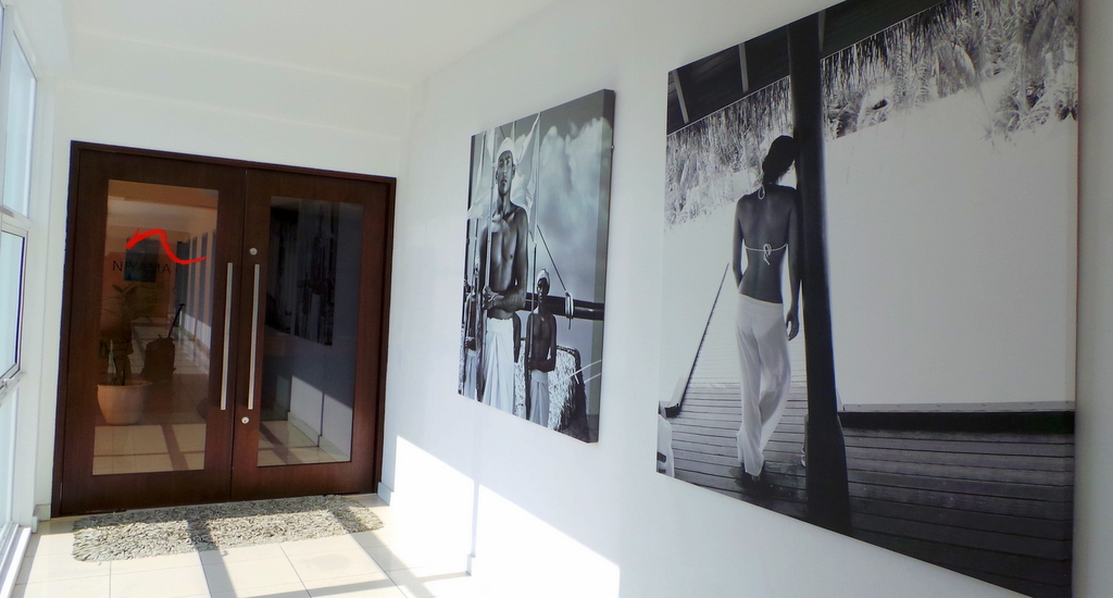 entry hall to Niyama Lounge , Male Airport, Maldives