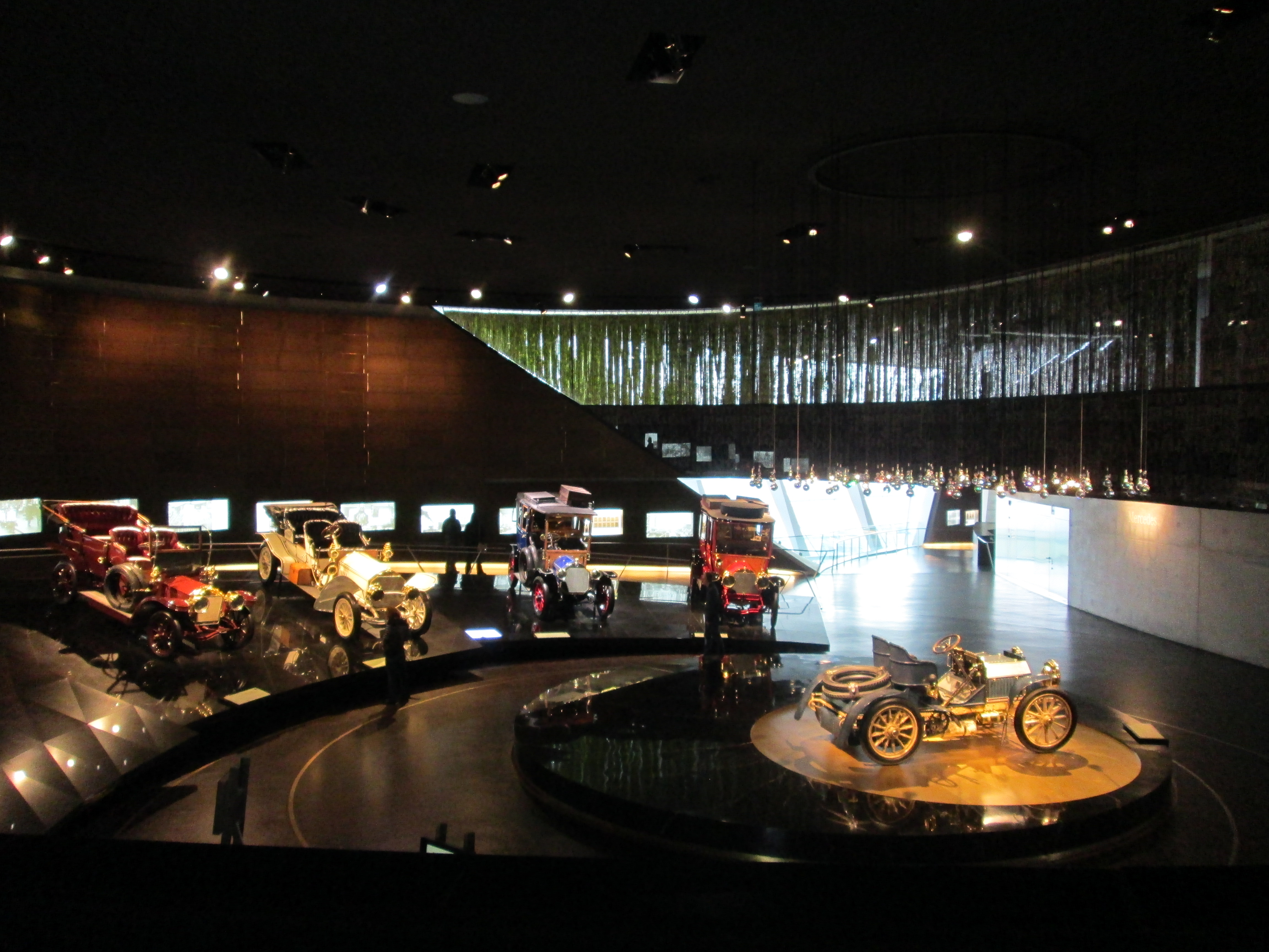 Museo Mercedes Benz.The Mercedes Benz Museum In Stuttgart