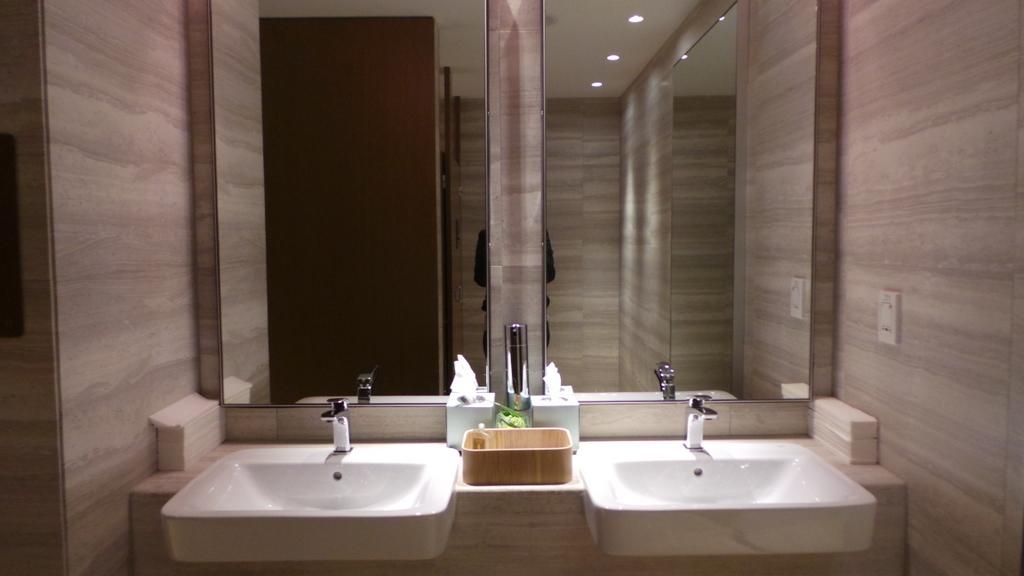 Restroom at SilverKris lounge , Sydney Airport