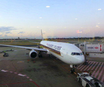 SQ 212 Sydney to Singapore Boeing 777-300A