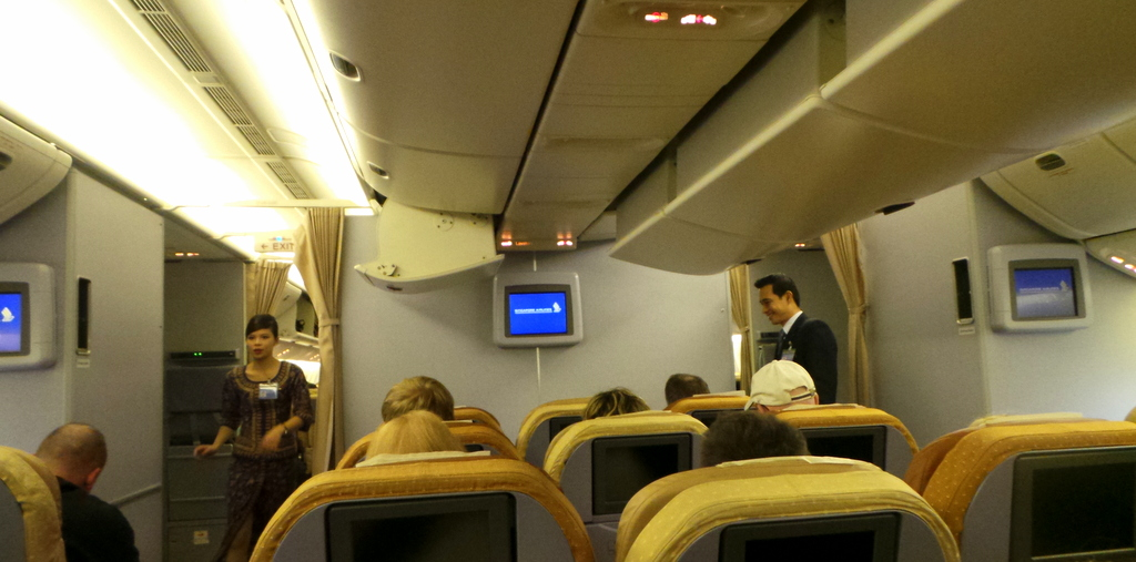 Economy Cabin Singapore Airlines SQ 212 Sydney- Singapore B777-300A