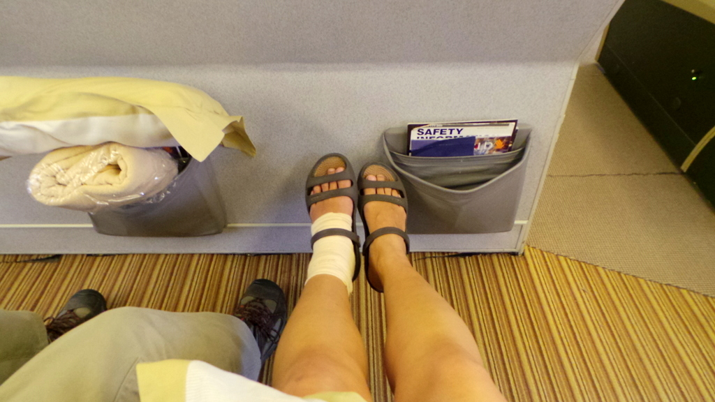 bulkhead seat singapore to hong kong with singapore airlines