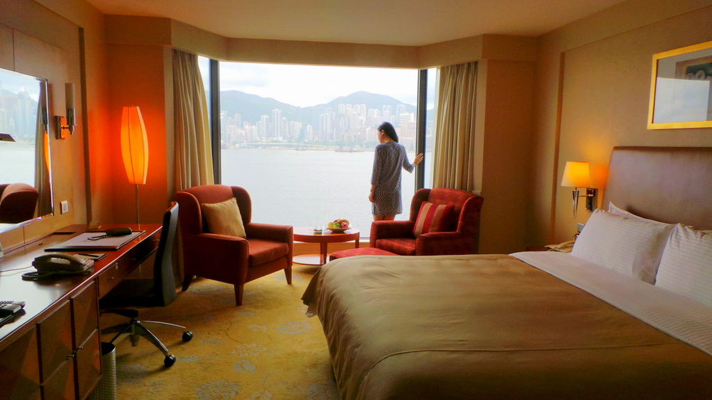 Harbour View room at Kowloon Shangri-la