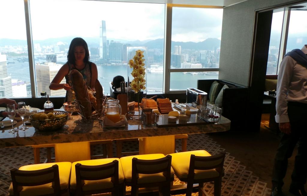Breakfast at the Executive Lounge, Conrad Hong Kong