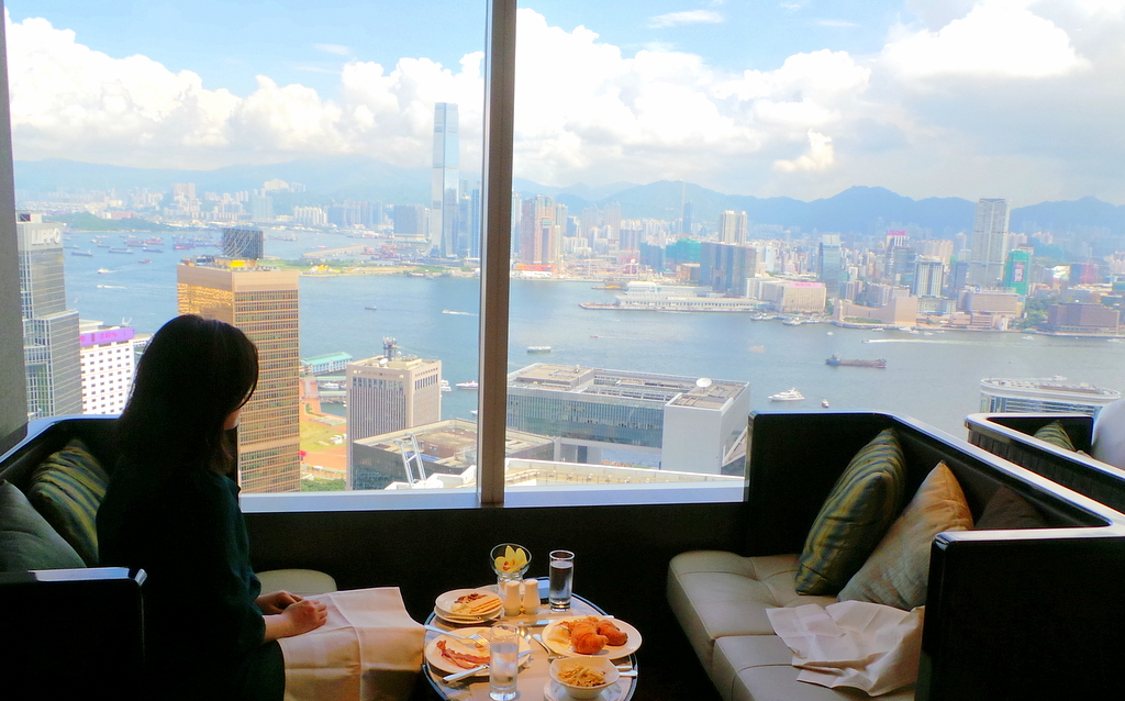 Breakfast at the Executive Lounge, Conrad Hong Kong