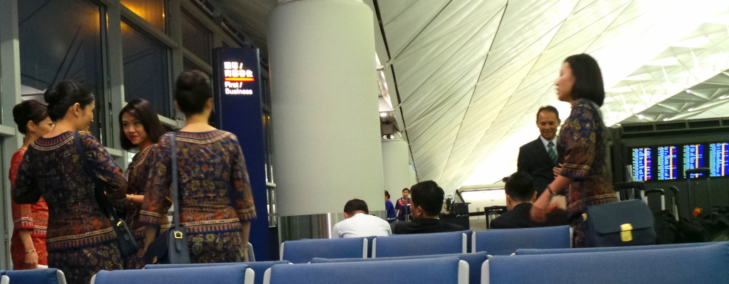 Our Flight Back Home with Singapore Airlines: HongKong to Sydney via Singapore