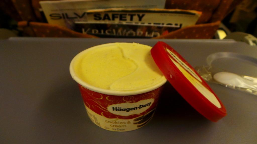 Haagen-Daas Ice Cream SQ 871 Hong kong to Singapore