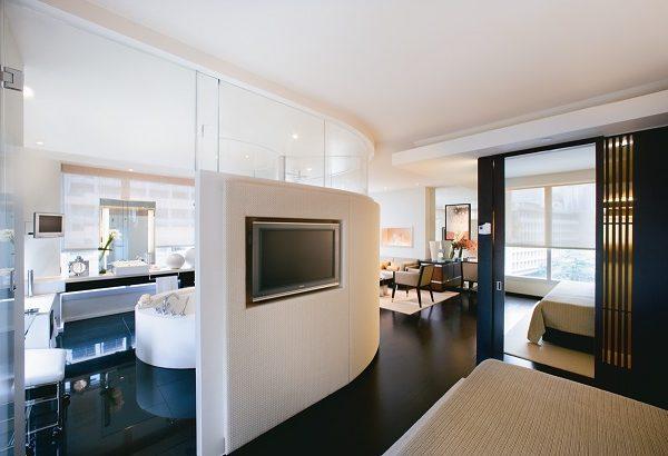 Hotel Review: The Landmark Mandarin Oriental, Hong Kong