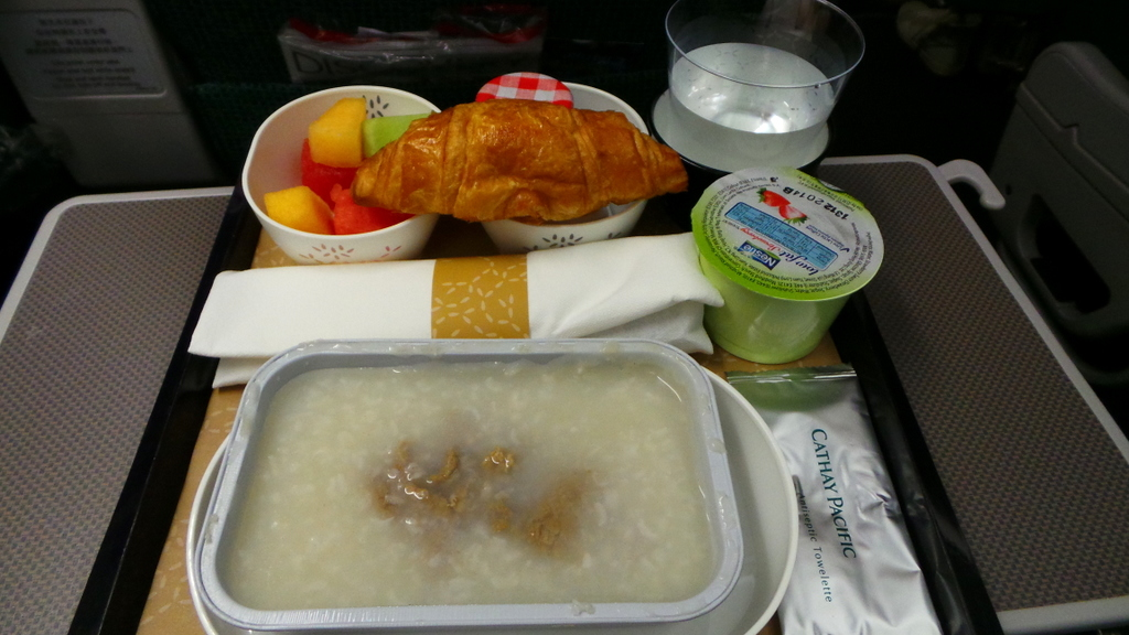 Breakfast on Cathay Pacific Premium Economy CX 293 Hong Kong to Rome: Congee!