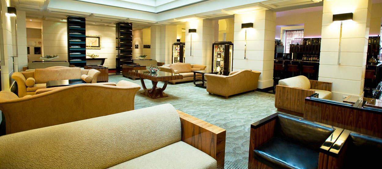 the lobby / front cafe of Jumeirah Grand Hotel Via Veneto Rome