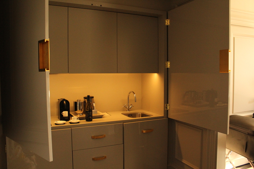 The kitchenette area. Discreet. Very discreet