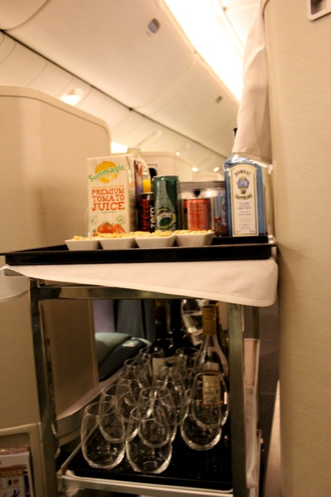 Aperitif service Cathay Pacific CX 256 London to Hong Kong