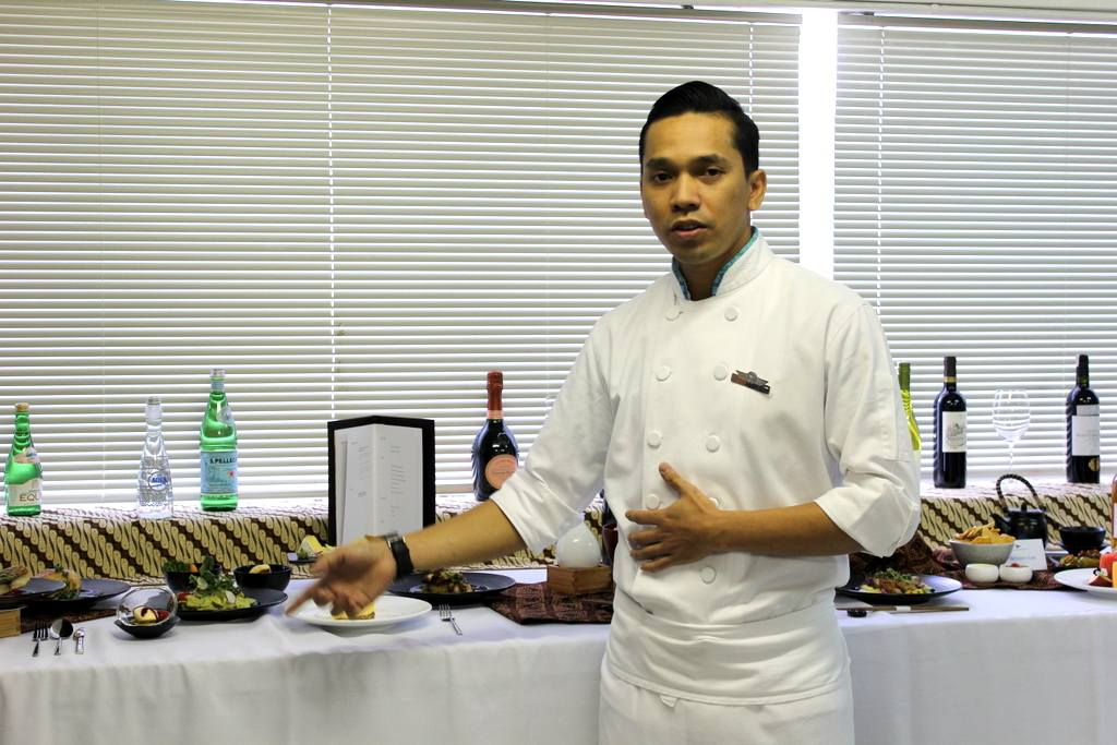 Chef Ade of Garuda Indonesia explaining how the First and Business class meals are prepared