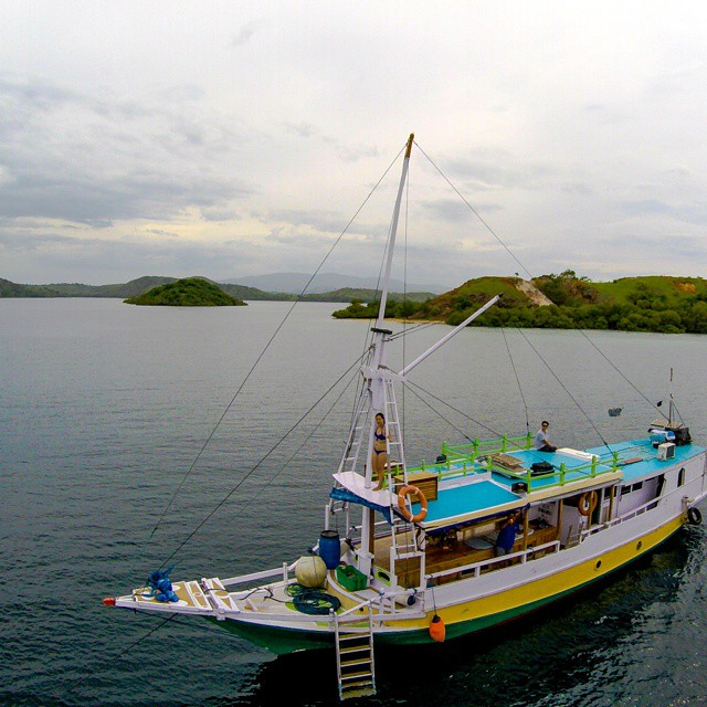 Exploring the Komodo Islands with Flores Adventure Tours