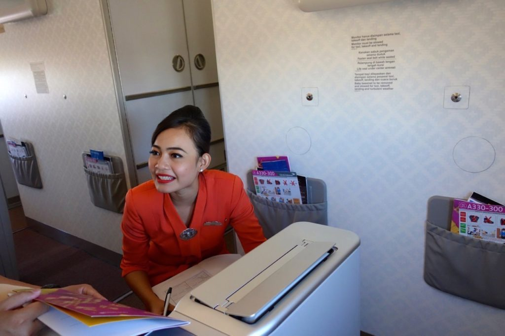 Garuda Indonesia Business Class: Service with a smile