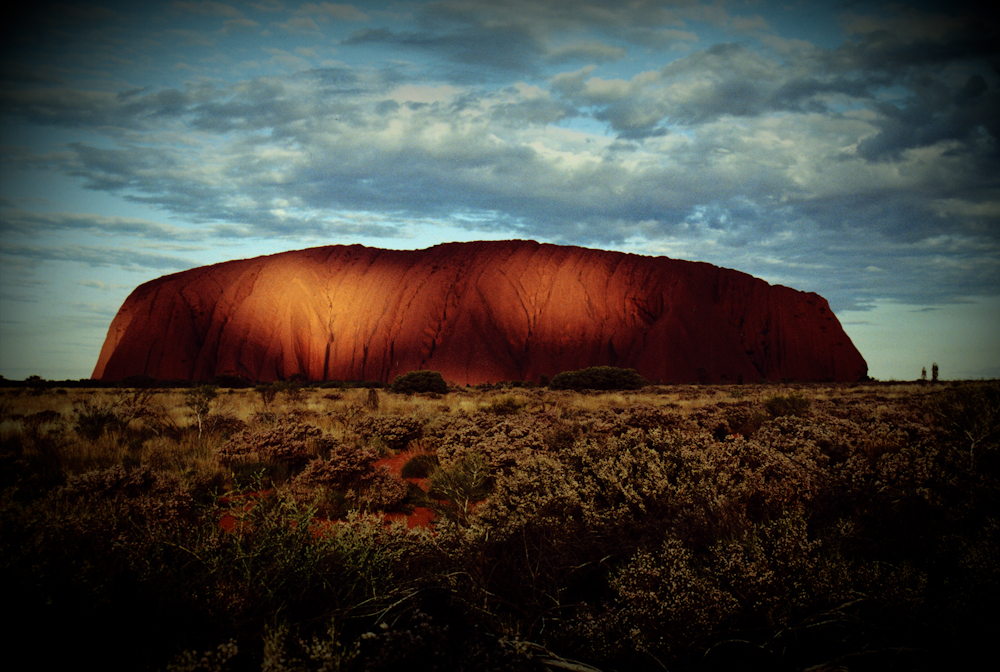 Uluru/ Ayers Rock photo by Dincsi
