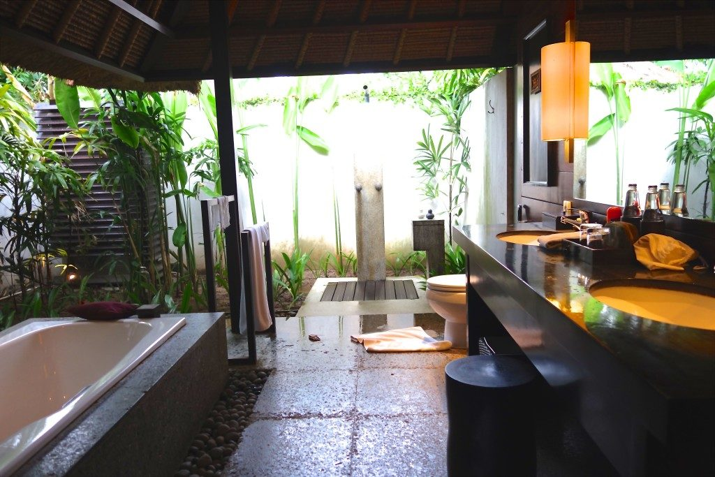 Outdoor Bath and shower. Caymans Jimbaran Private Estate