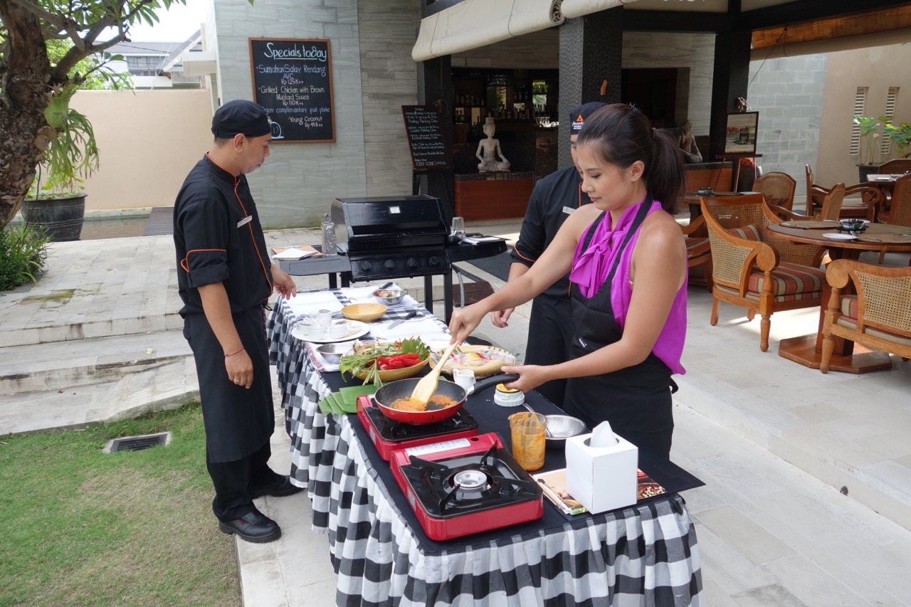 Balinese Cooking Class at Anantara Vacation Club in Seminyak Bali