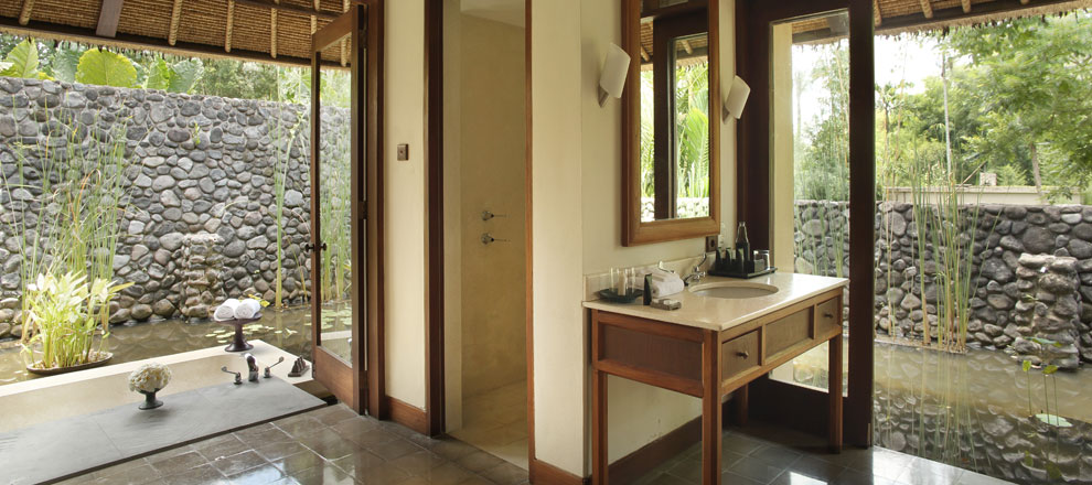 Bathroom at a Pool Villa - Alila Ubud