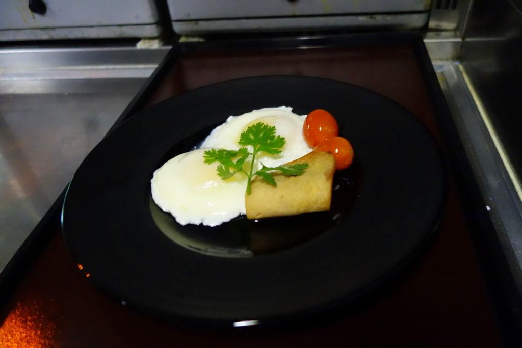 Garuda Indonesia's Chef On Board creation: Poached Eggs