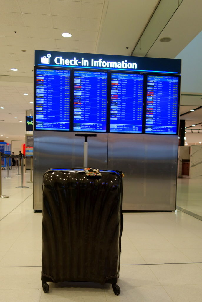 The Samsonite Cosmolite 81cm at Sydney Airport. Ready to depart!