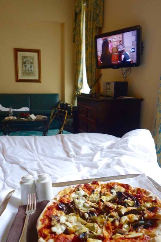 Room Service at Intercontinental de la Ville Roma. Pizza in Bed!
