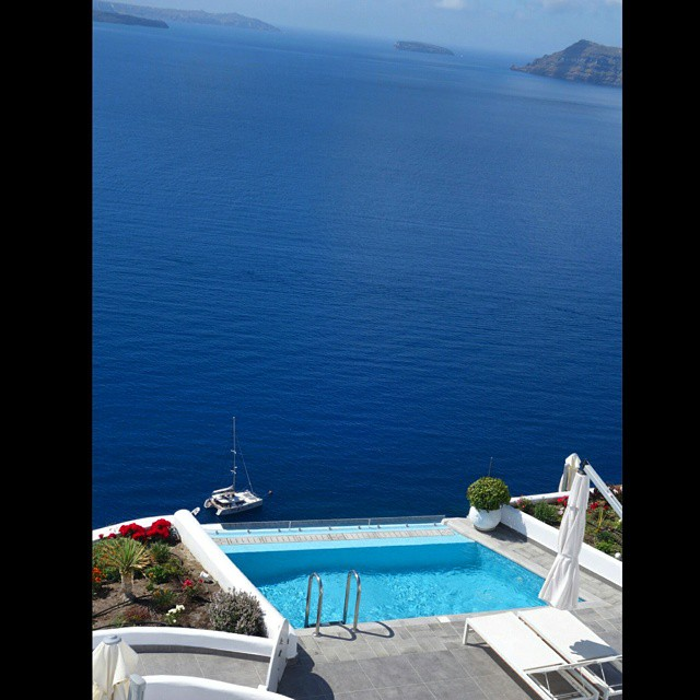 luxury accommodation in Santorini