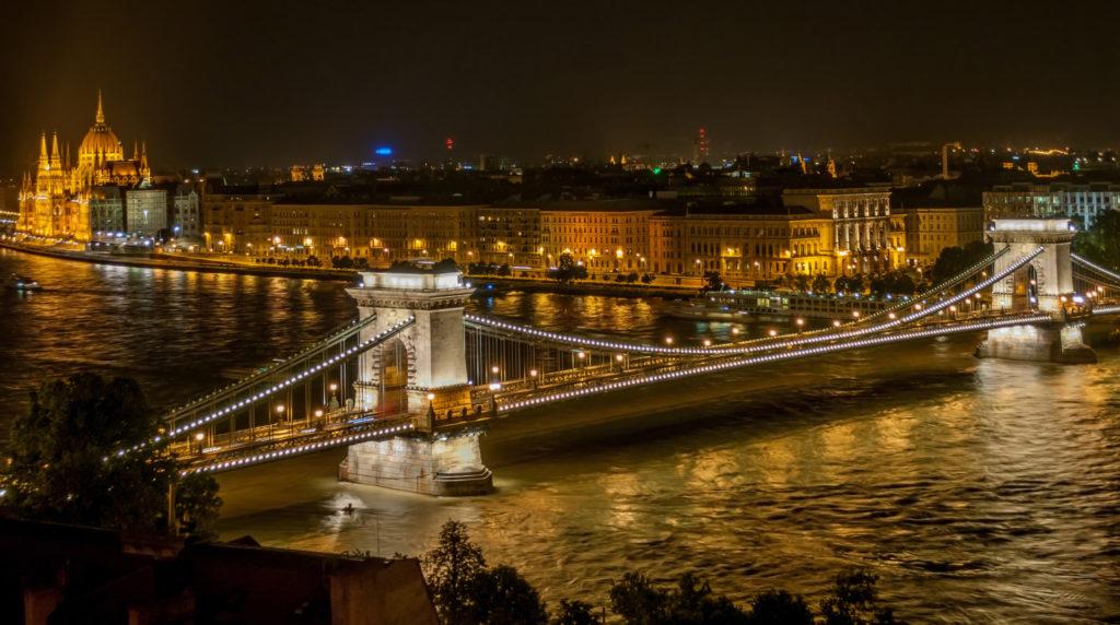 Szechenyi Chain Bridge in Budapest. Photo from Wikipedia