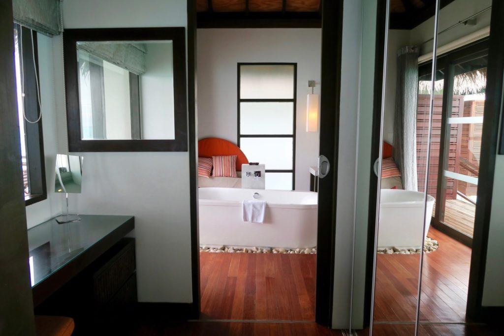 Water Villa Bathroom, Velassaru Maldives