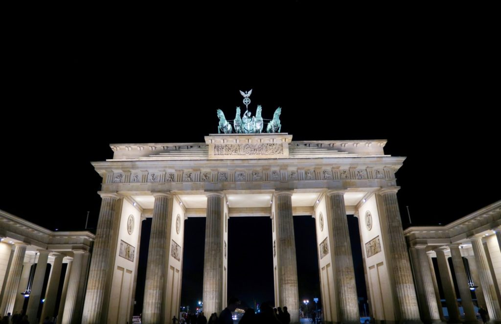 The Brandenburg Gate is 10 minutes' walk from the Westin Grand Hotel Berlin