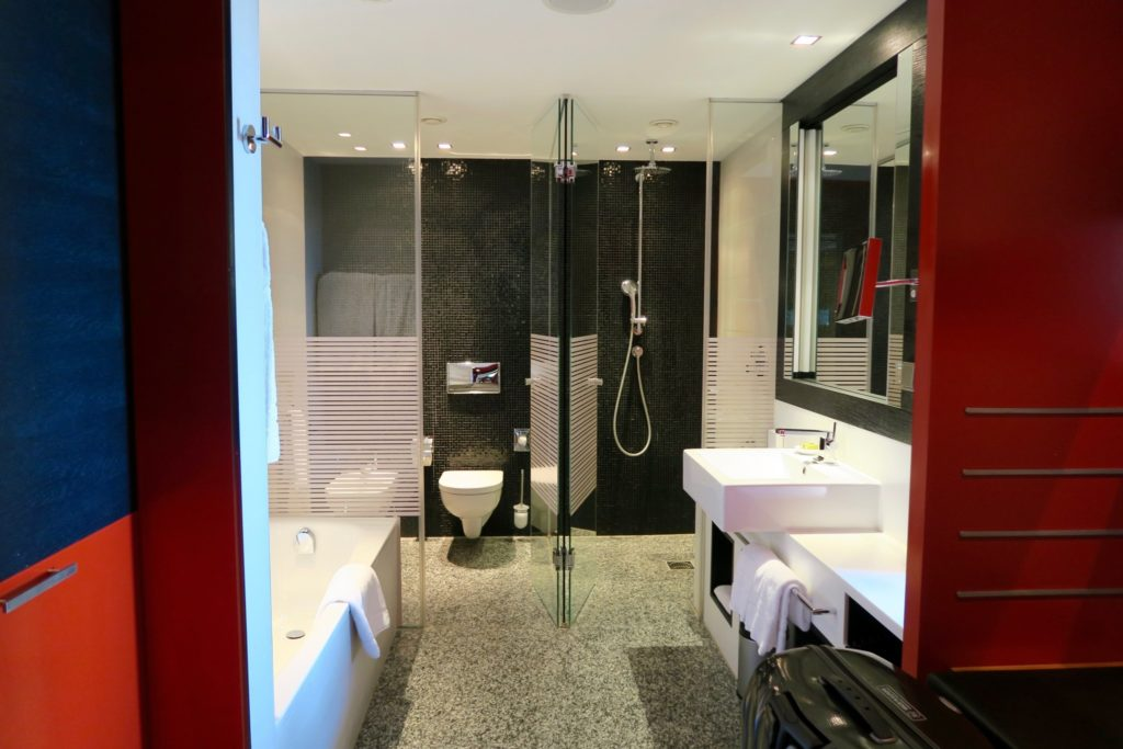 Bathroom of an Executive Room, InterContinental Berlin