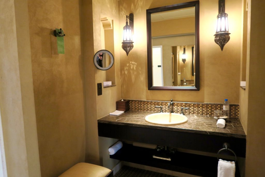 double sinks facing each other. Bathroom of a one-bedroom villa with private pool at Qasr al Sarab by Anantara