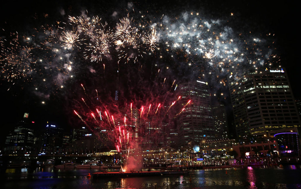 Qatar Airways fireworks at Darling Harbour #SydneyTogether