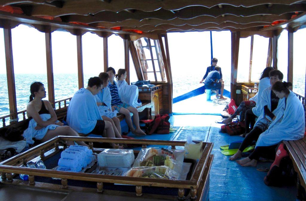 Snorkelling excursion , Jumeirah Vittaveli