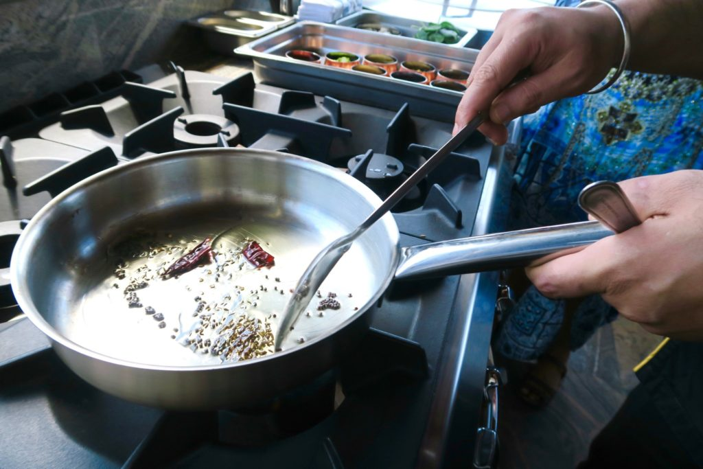 Cooking lessons at Swarna Restaurant, Jumeirah Vittaveli