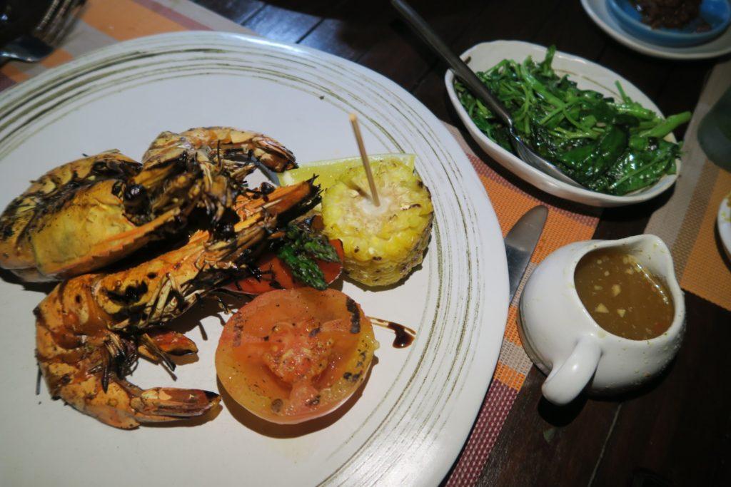 Dinner at MU Beach bar & Grill, Jumeirah Vittaveli Maldives