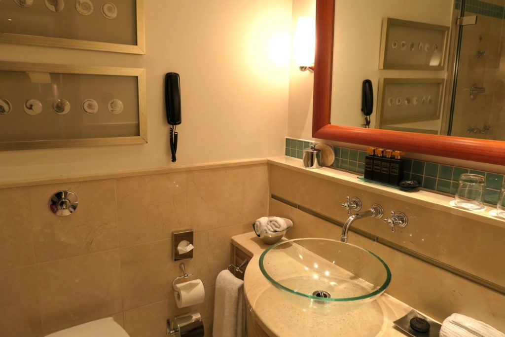 Bathroom of a Deluxe Balcony Room, Jumeirah Carlton Tower