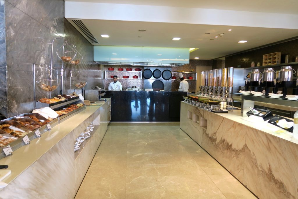 Breakfast buffet at Rosewater Restaurant, Jumeirah at Etihad Towers