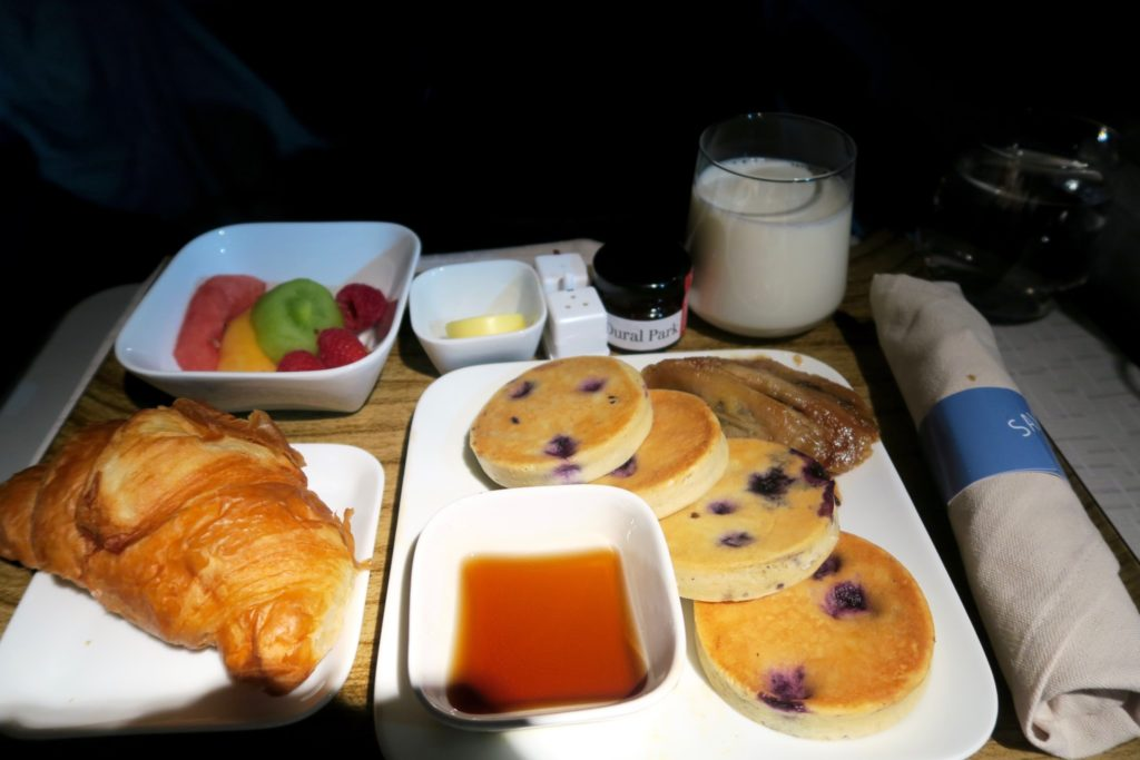 Delta One Business Class Sydney to Los Angeles Breakfast