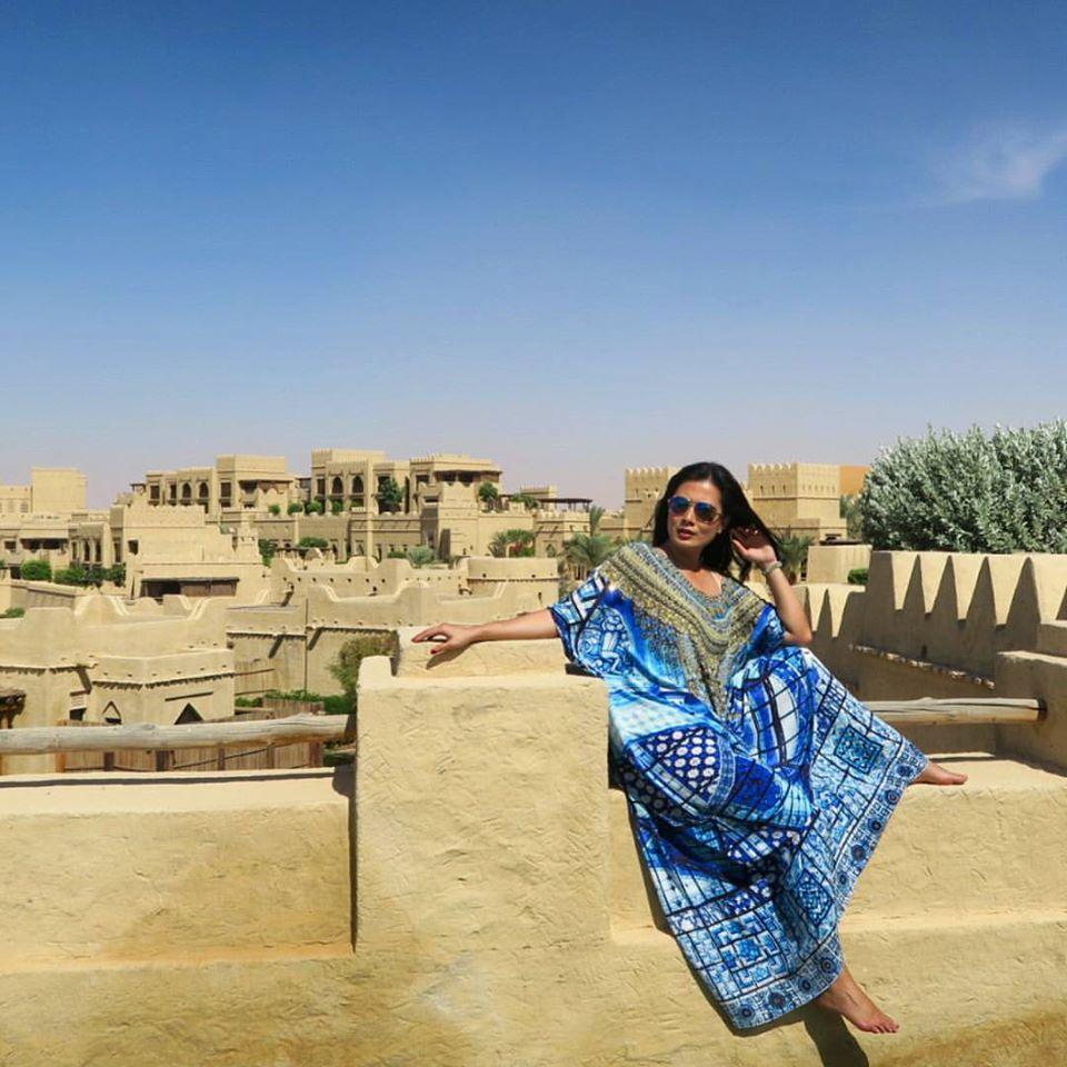 Camilla Kaftan UAE Desert
