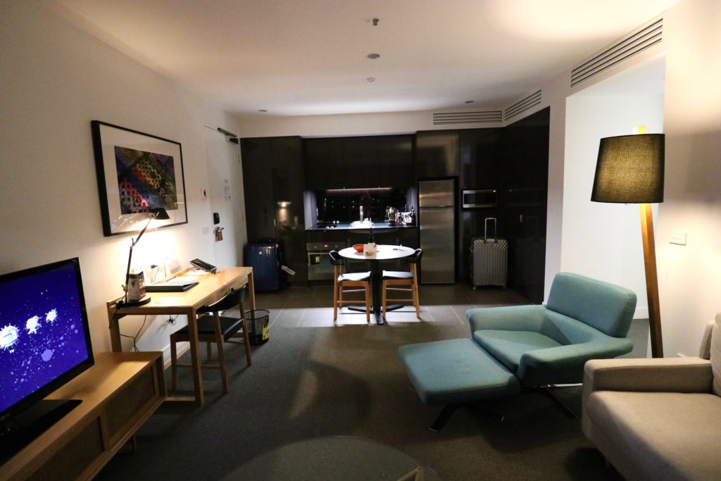 East Hotel Canberra - One Bedroom Luxe Apartment