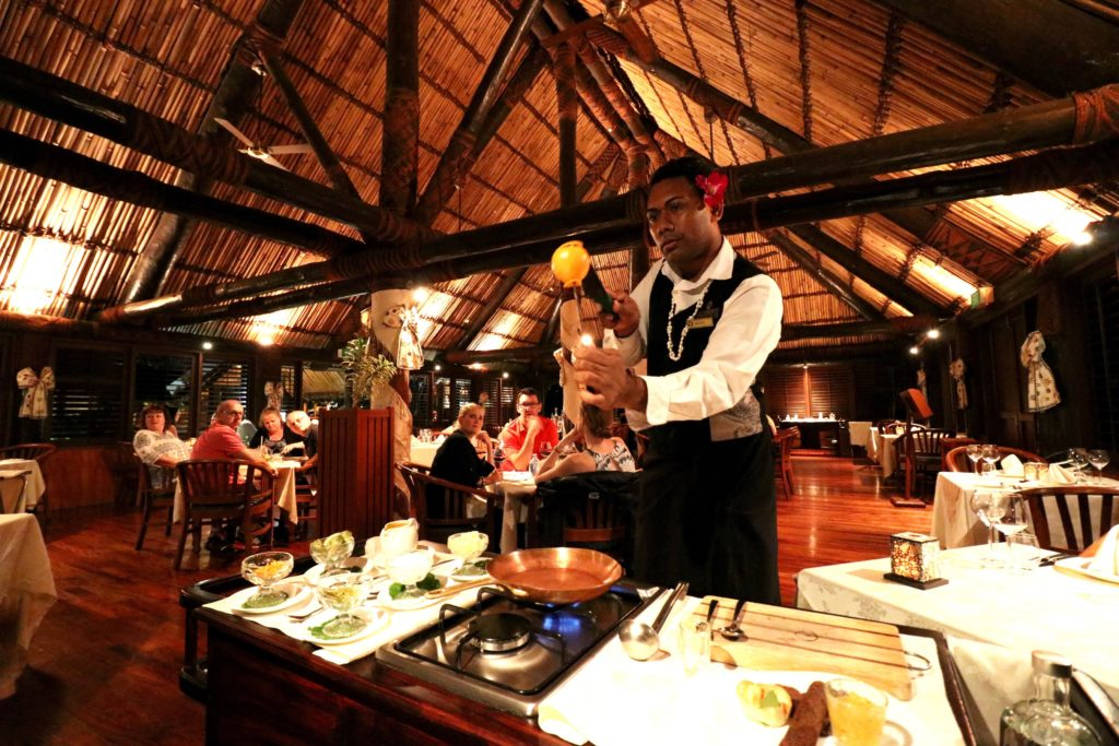 Moses expertly skewers AND peels an orange. Ivi Restaurant, Outirgger Fiji Resort
