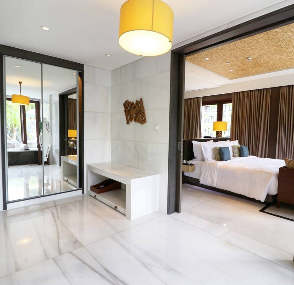 bathroom of the ANVAYA Suite