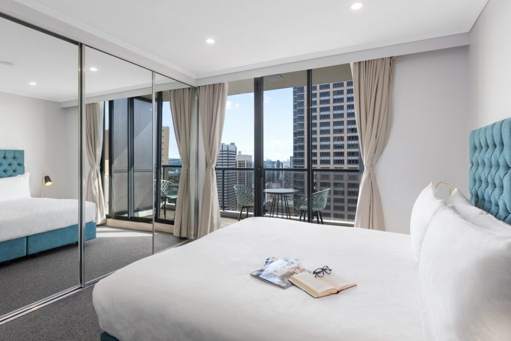 Meriton Luxury Apartments in Pitt St, Sydney CBD