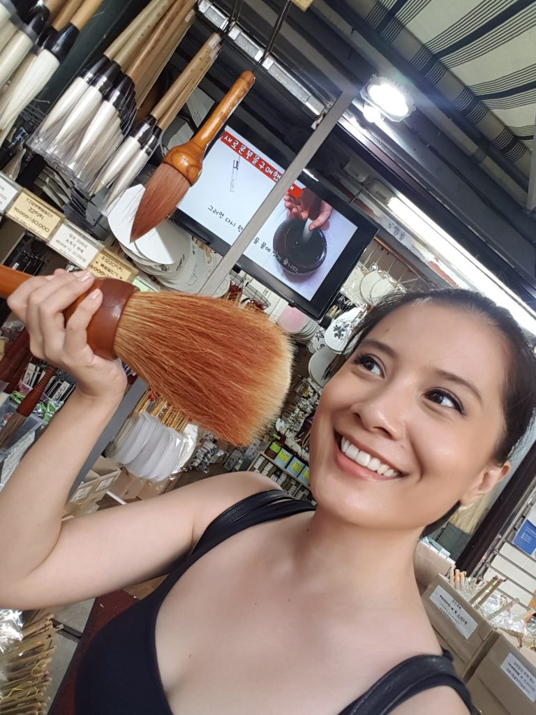 the kabuki of all brushes. you can leave the baking to the bakers when travelling. ease up on makeup